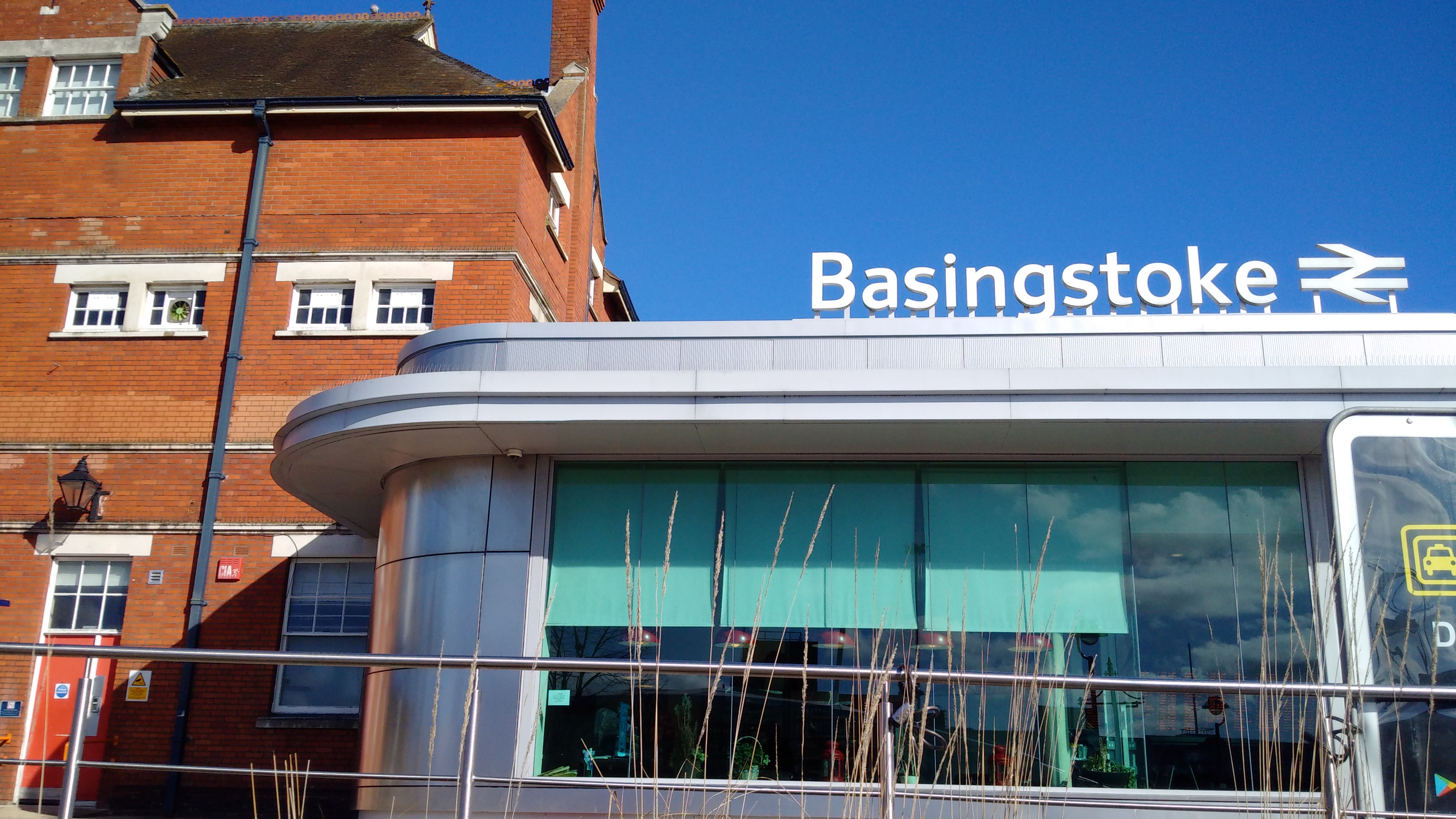Basingstoke station