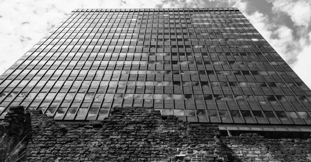 Building next to London Museum
